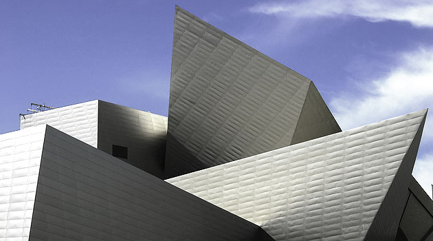 House and Pet Sitting in America - the free alternative to dog boarding. Image is Denver Art Museum, Colorado