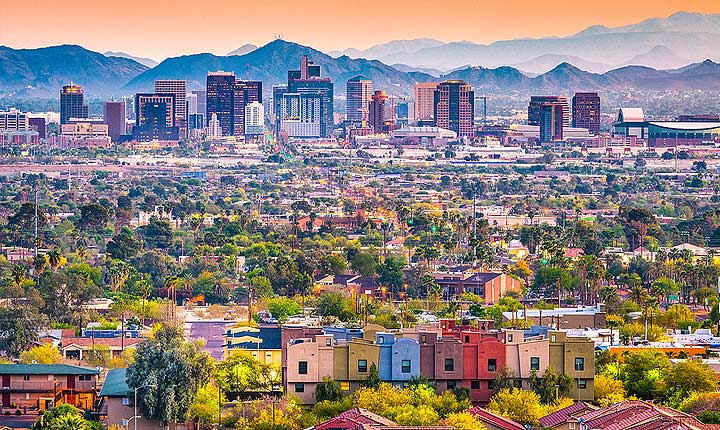 House sitting and Pet Sitting in Phoenix - the perfect in-home alternative to dog boarding in Phoenix