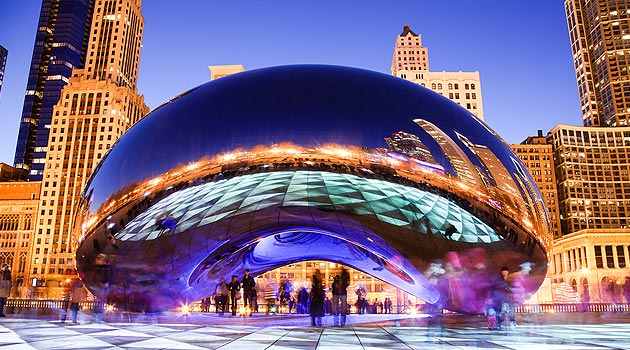 House and Pet Sitting in Chicago, Illinois - a fantastic, free alternative to dog boarding. The picture is Cloud Gate, Millenium Park